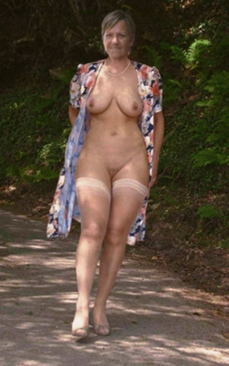 Pictures of bollywood actress priyanka chopra nude