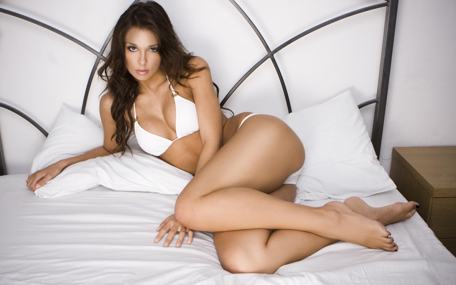 Tonya sexy mature pictures