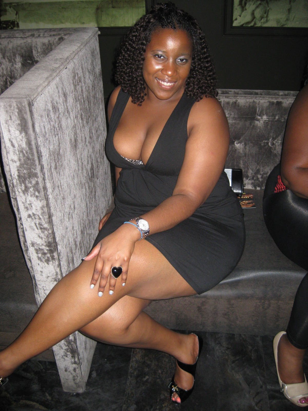 BLACK WOMAN NUDE PUSSY PICS