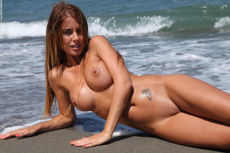 Sexy nude blonde girls