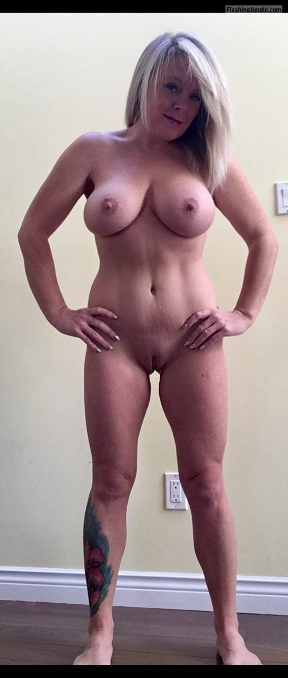 Amateur boob small