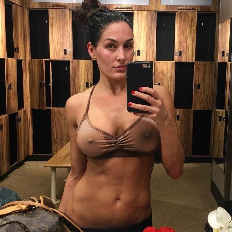 Amateur naked mature women