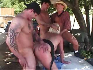 Naked kenyan mature pussy