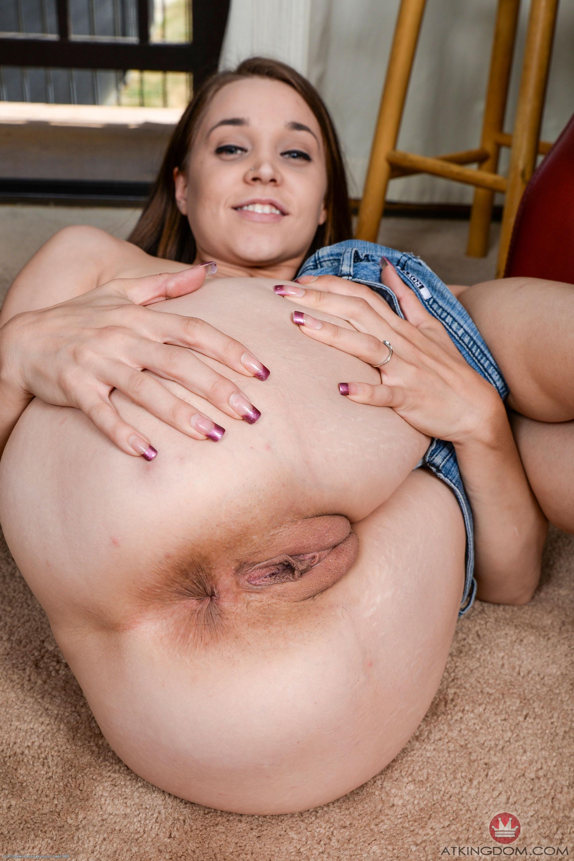 Lucy pinder eva wyrwal nude