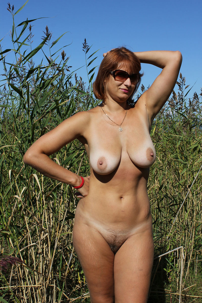 AMERICAN SEXXX GIRLS AND BOOBS