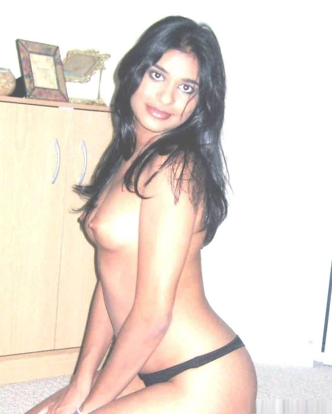 women of mumbai naked