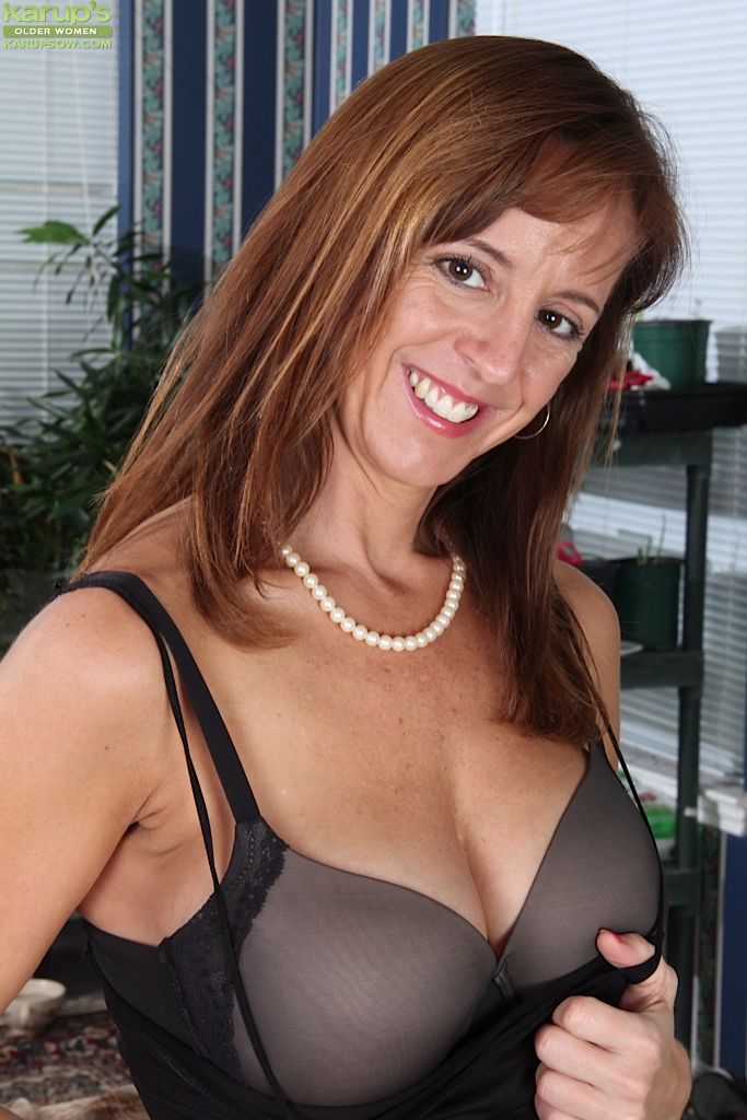 Tonya sexy mature pictures
