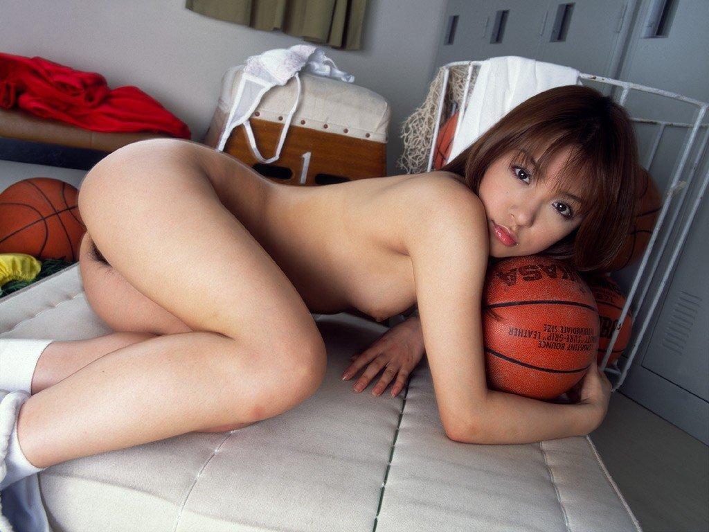 Curvy amateur self shot nude