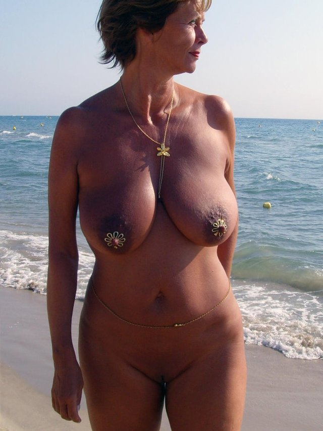 nude amateur granny