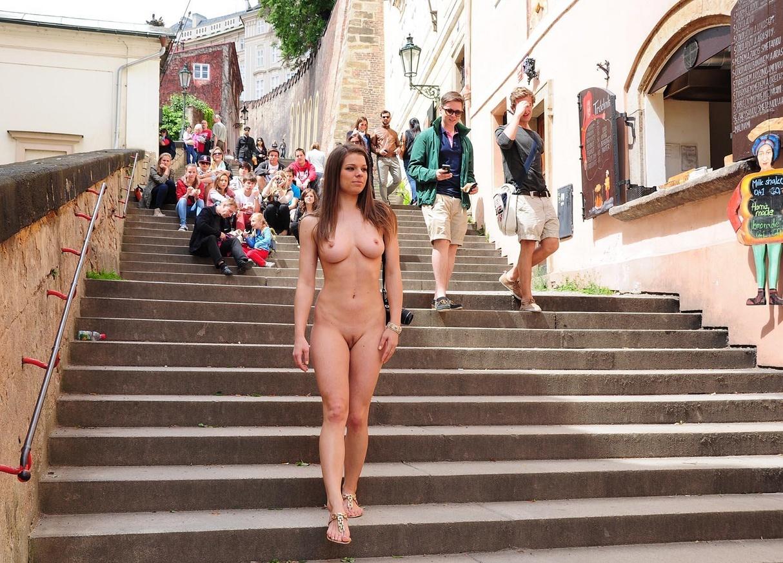 public Femalle nudes