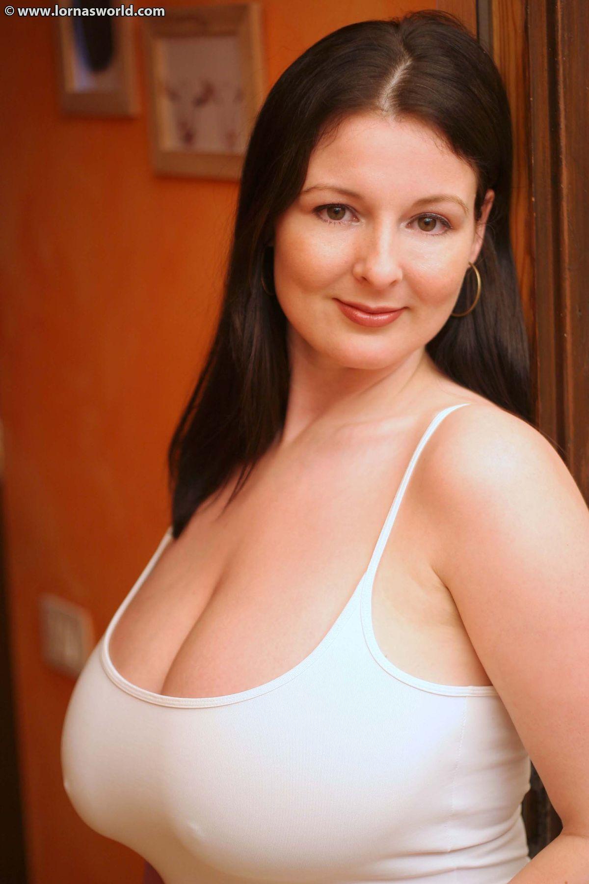 Pregnant boobs sex