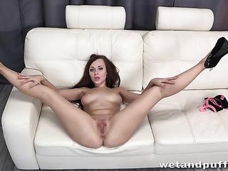 Amy brenneman hot