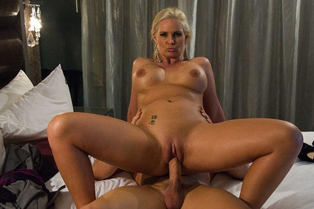 Hot Mature Nylon Woman Sex