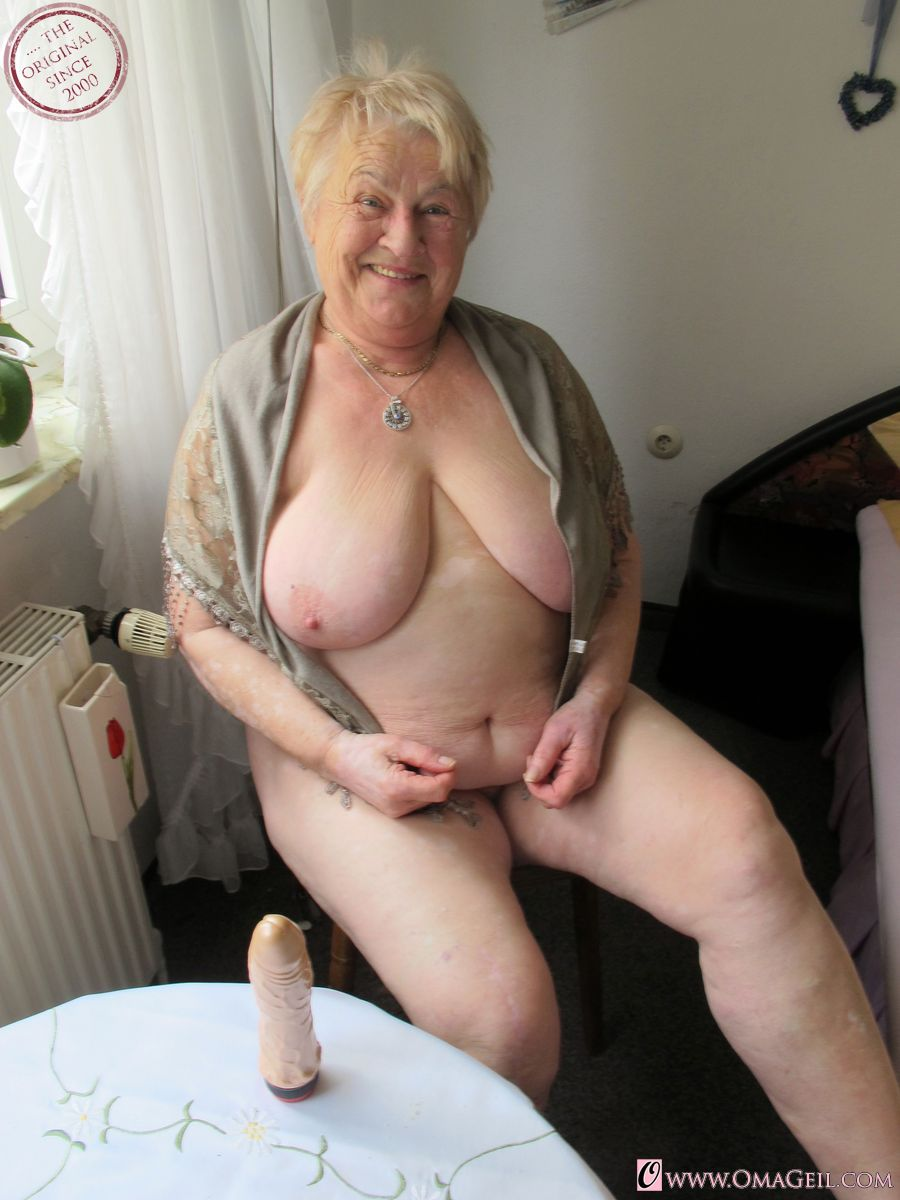 oma and girls porno pics