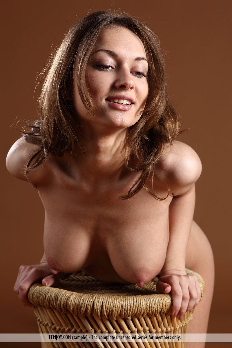 Nude Lankan