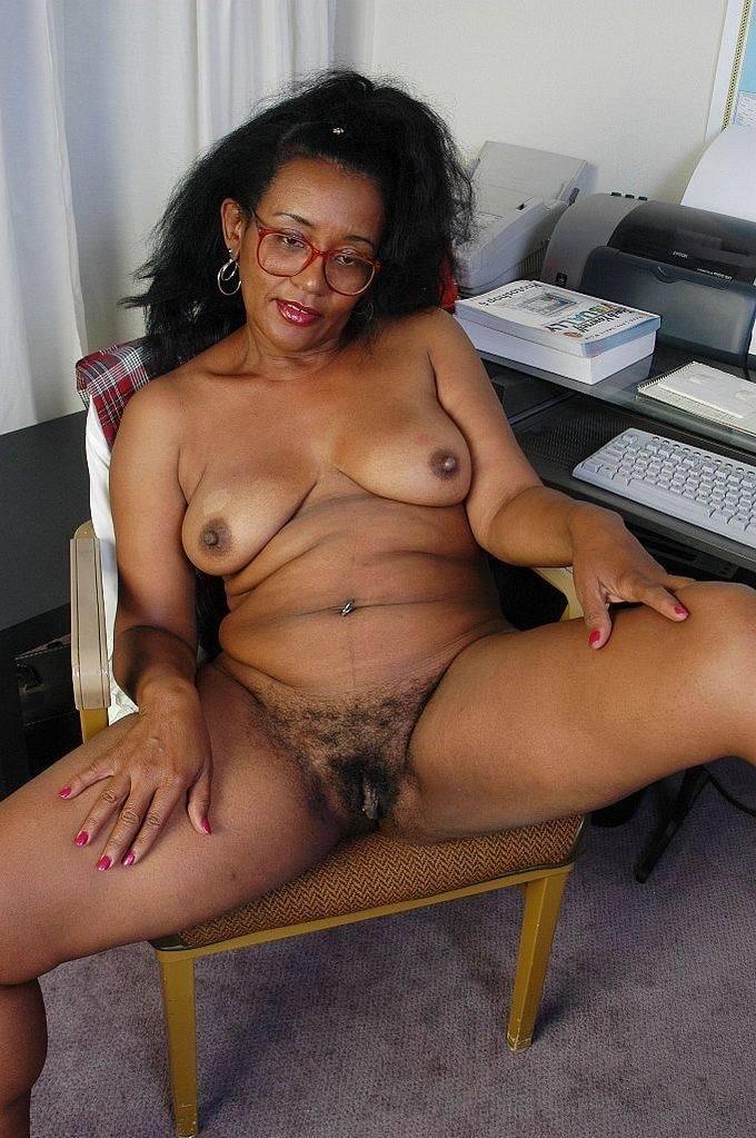 naked tamil bhabhi
