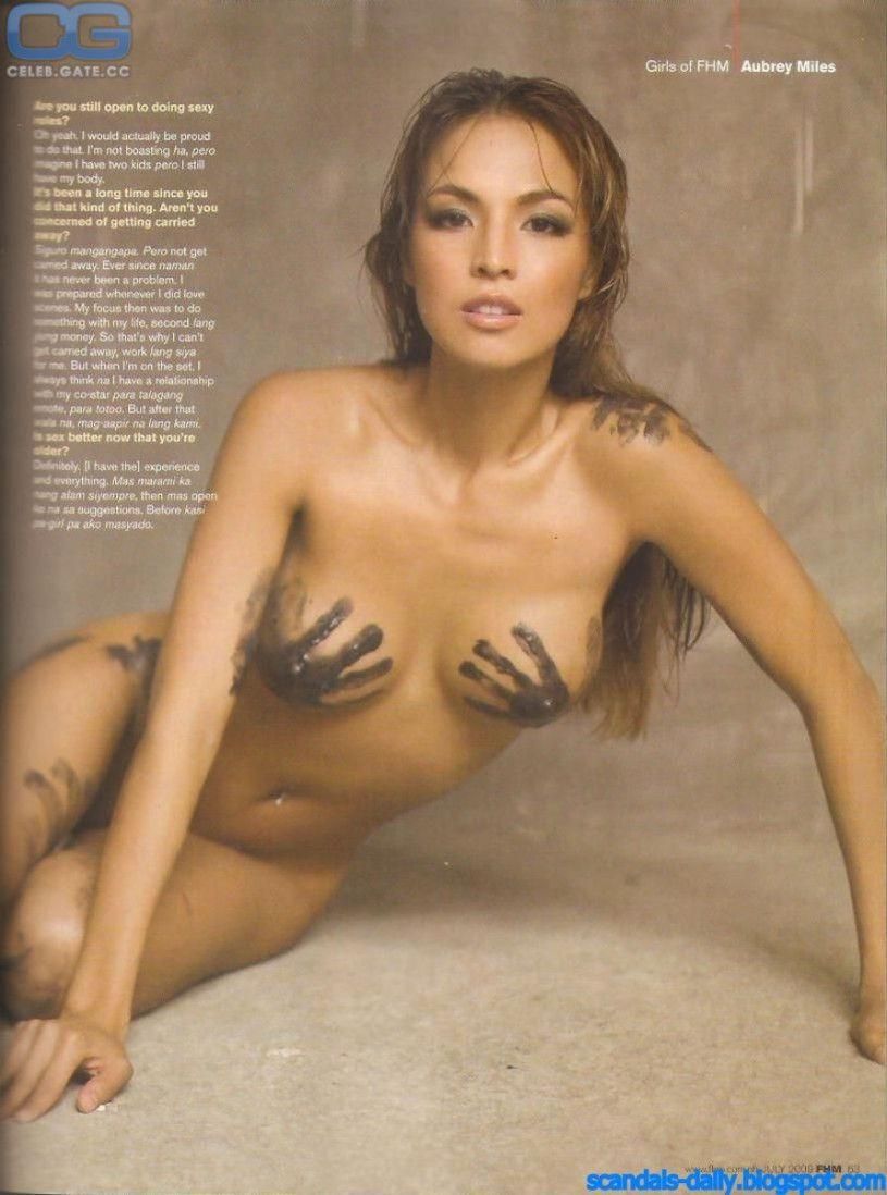 Gloria skinny super girl nude
