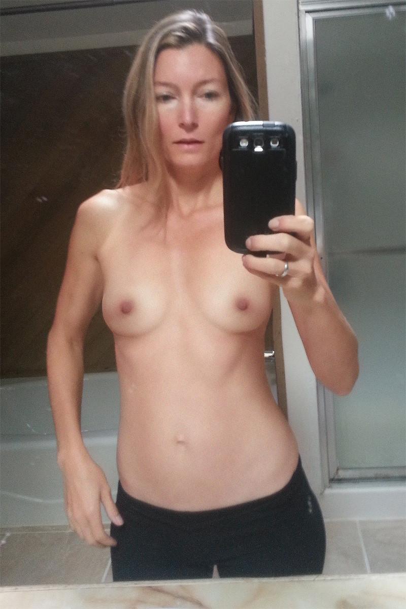 Mom Skinny Nude Pics--5744