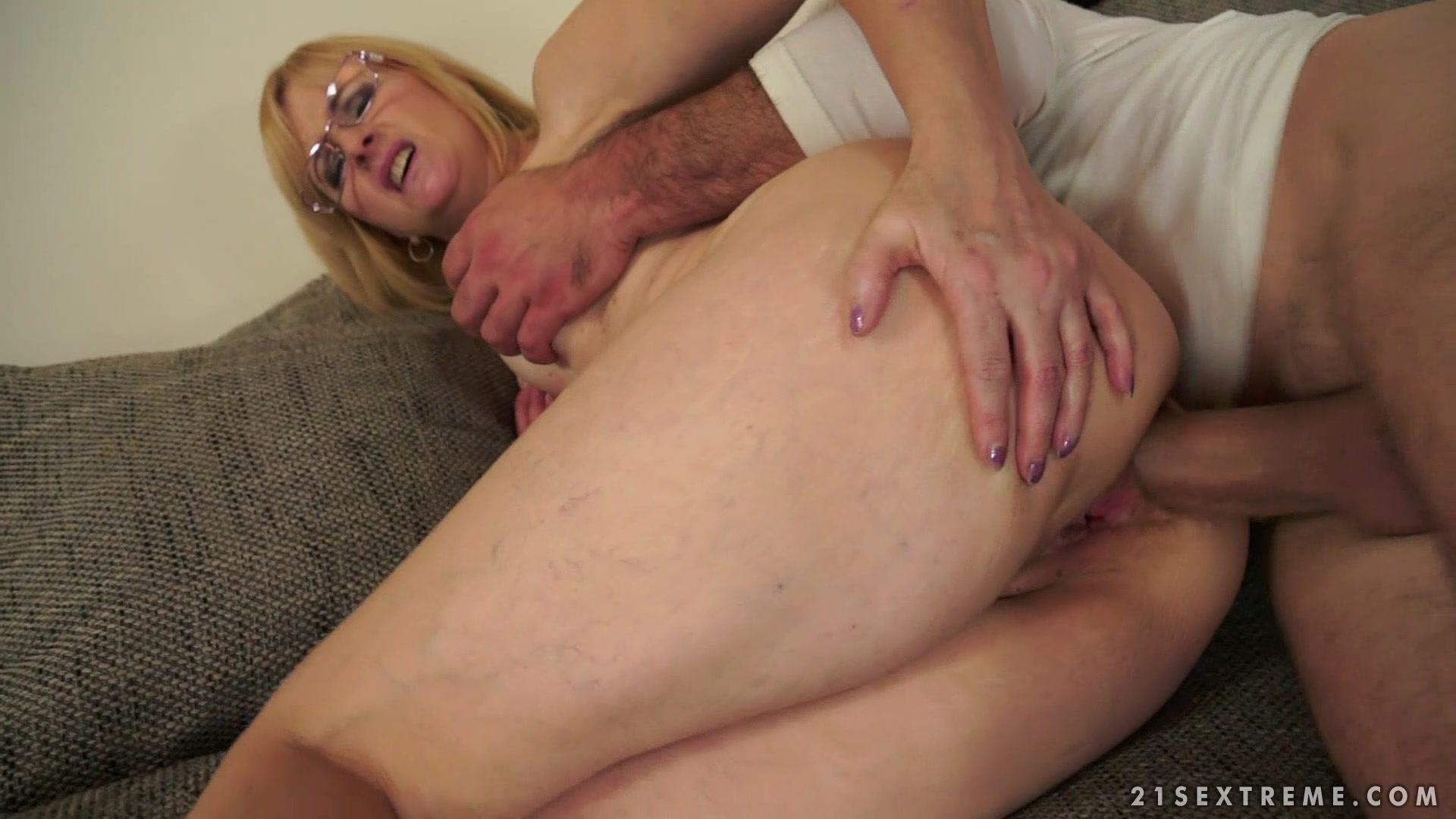 Classy nude video