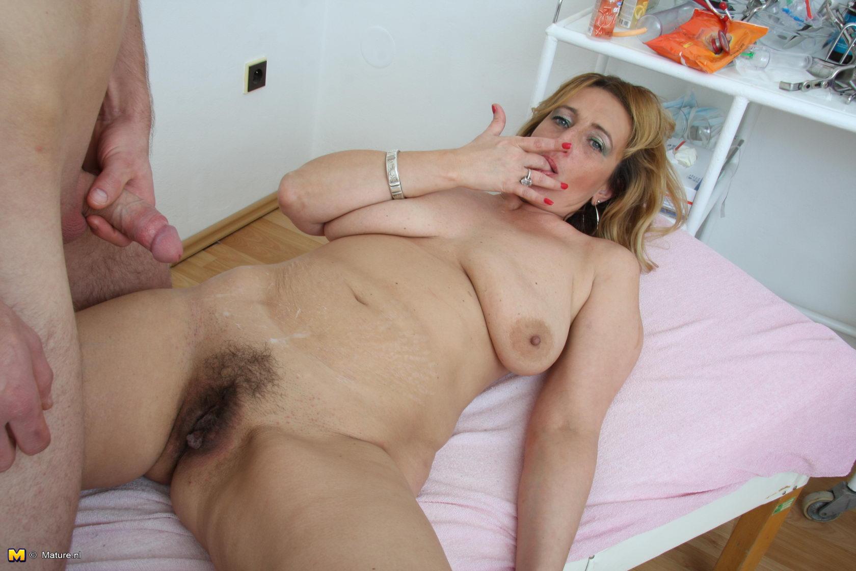 Amateur nude shower spy cam