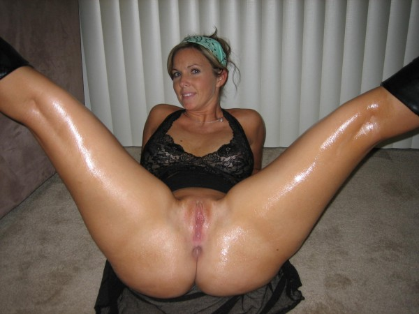 Shemale bottoms bareback