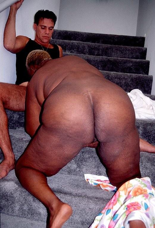 nude de Cali sur ebony