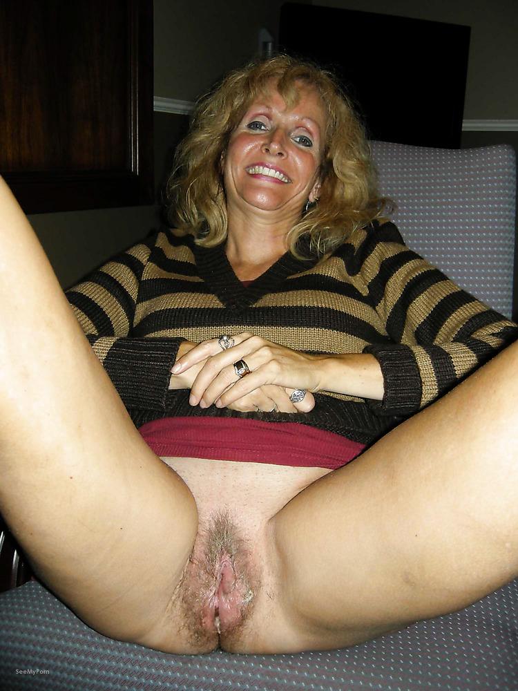 huge boob pregnant nude