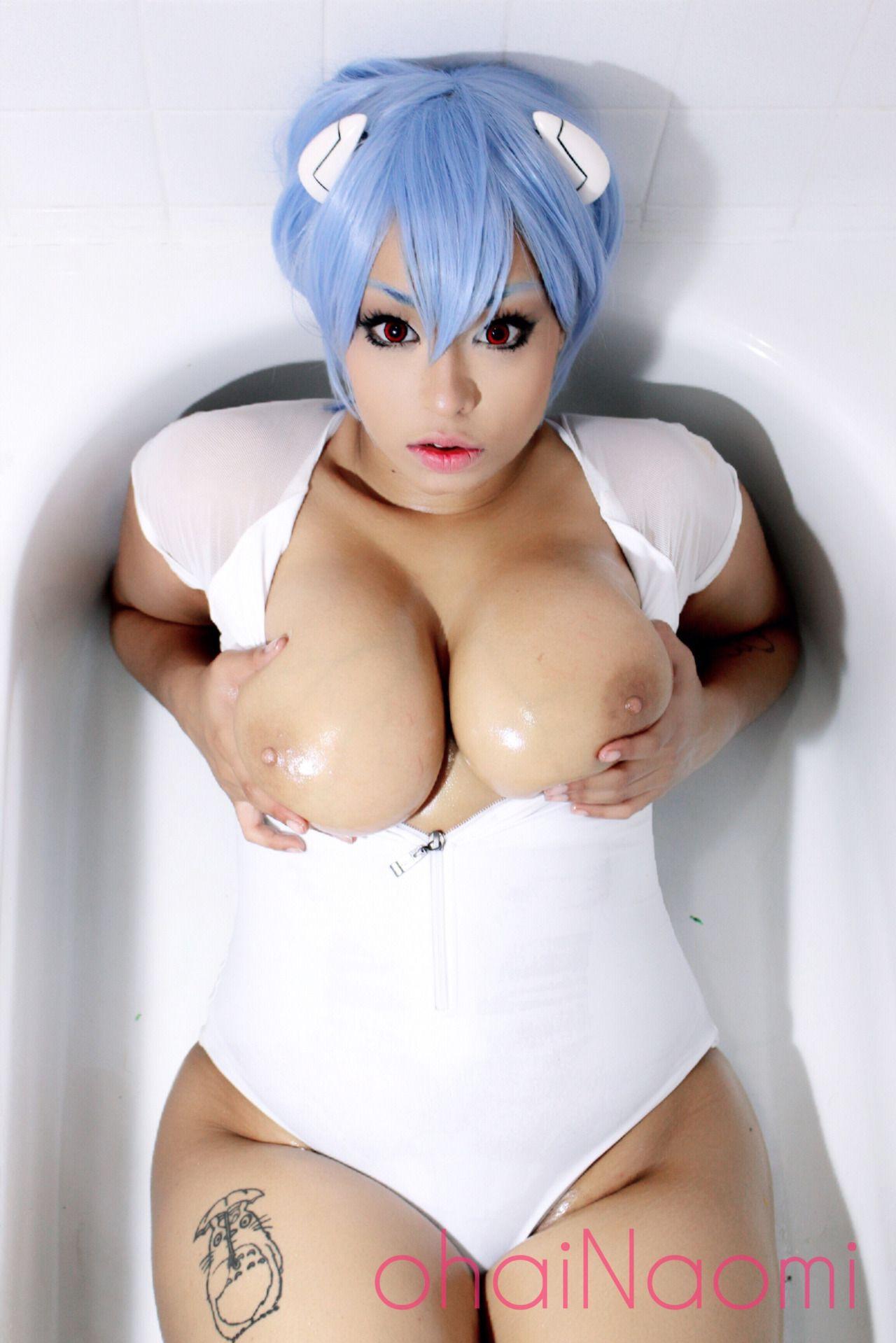 Big boobs and ass blue yoga pants