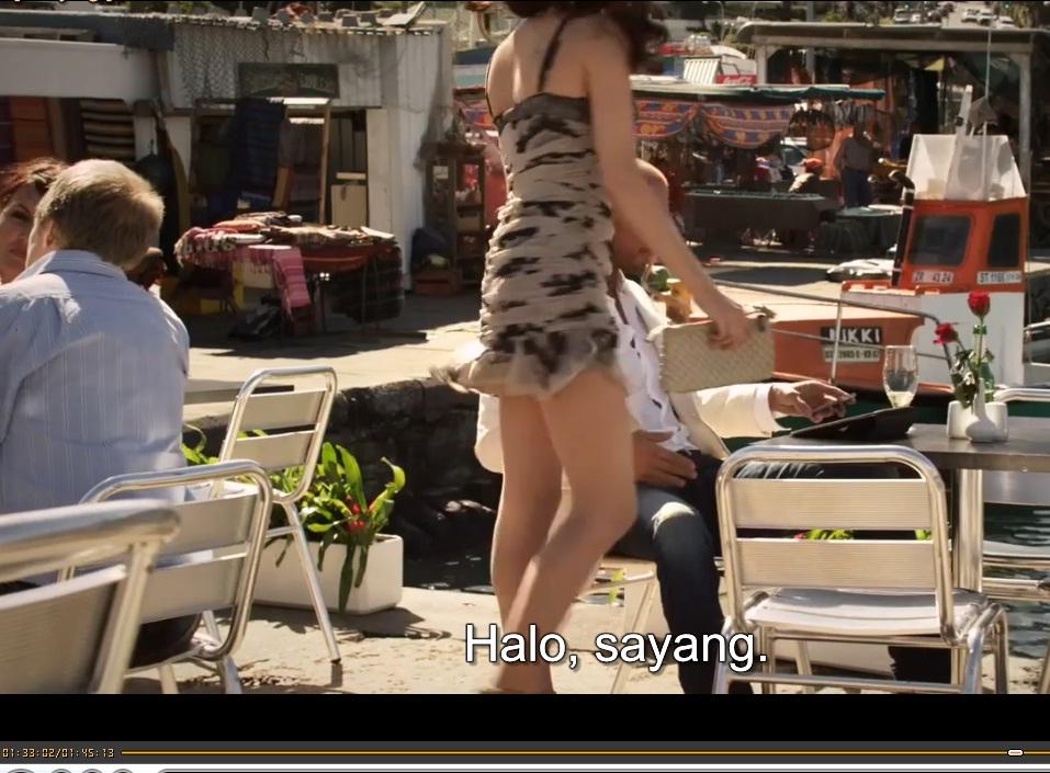 Hot girls open legs skirt