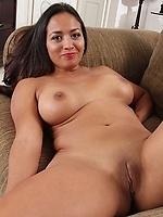Skinny horny bitch pussy