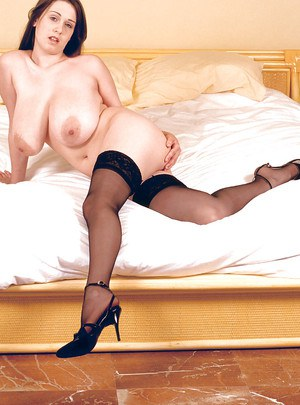 House maid nude cleaning