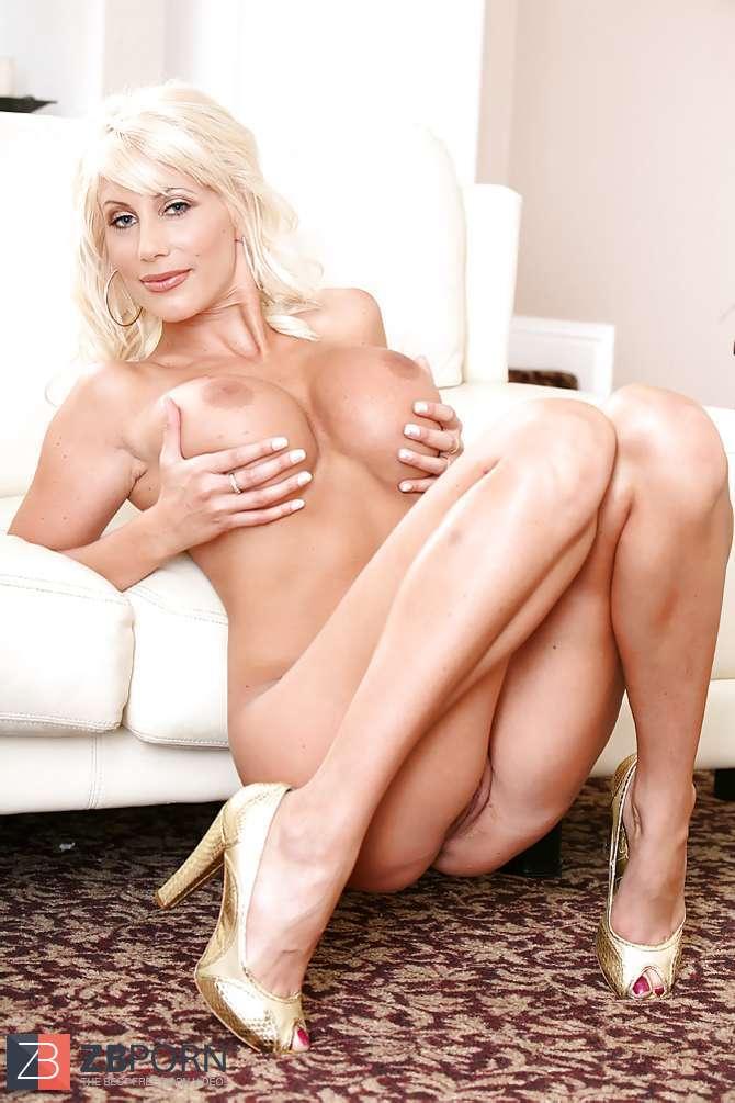 alluring nude older women