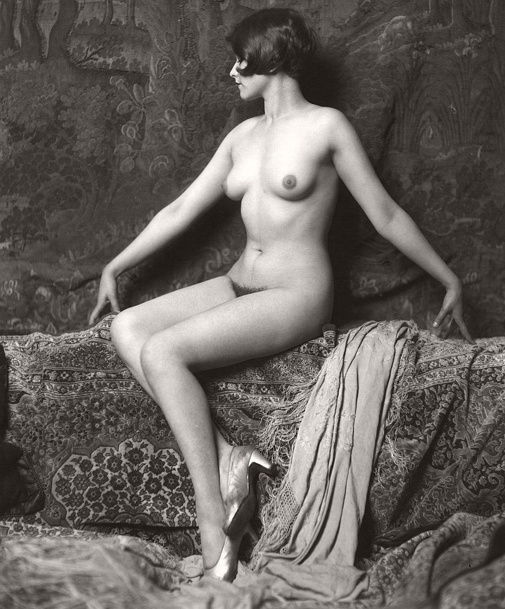 mujeres desnudas en playas