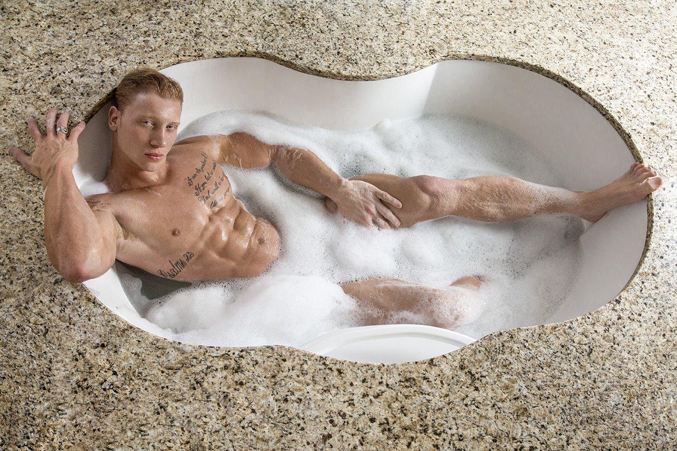 indo hot naked