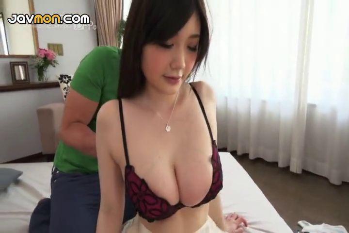 Cum on wifes pussy