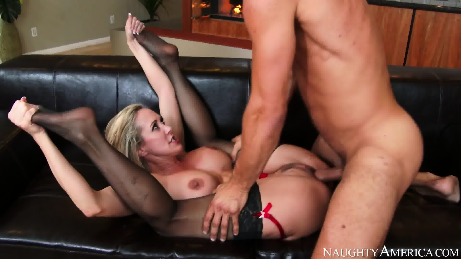 Caroline Pierce ass porn pictures