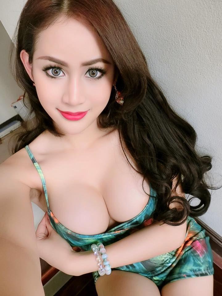 Group of hot girls blowjob