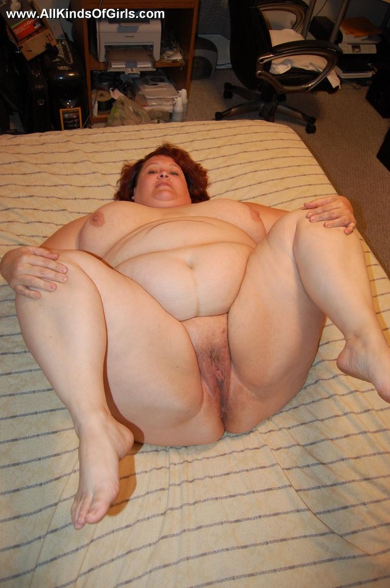Siri busty redhead nude