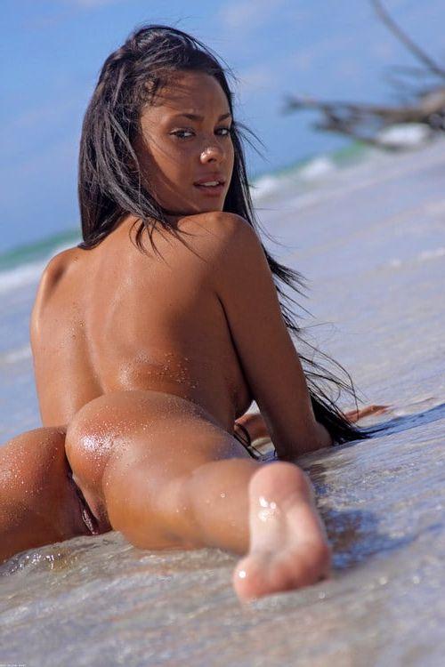 Beautiful pregnant women naked