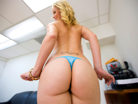 Very hairy blonde pussy