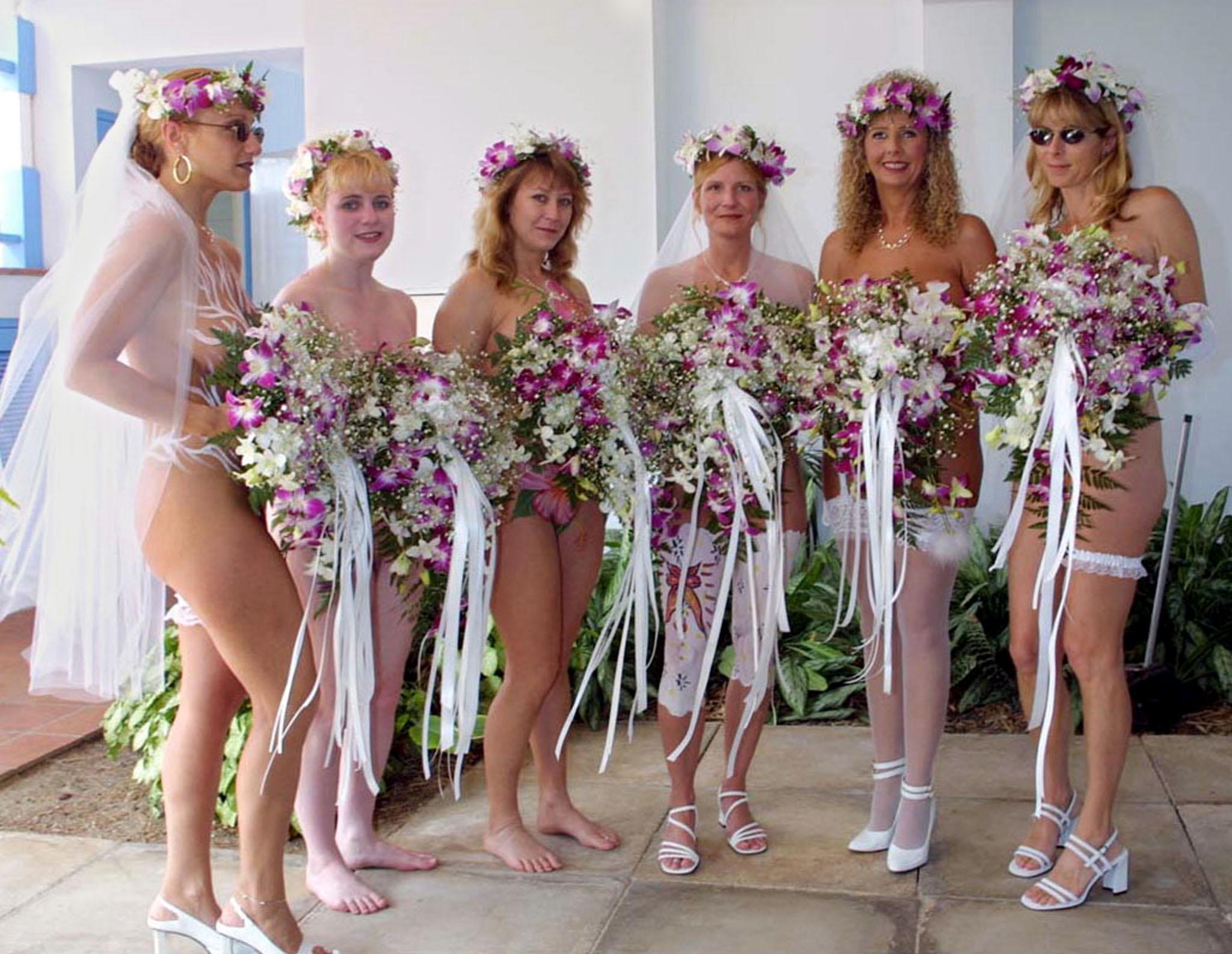 actres nude photo com