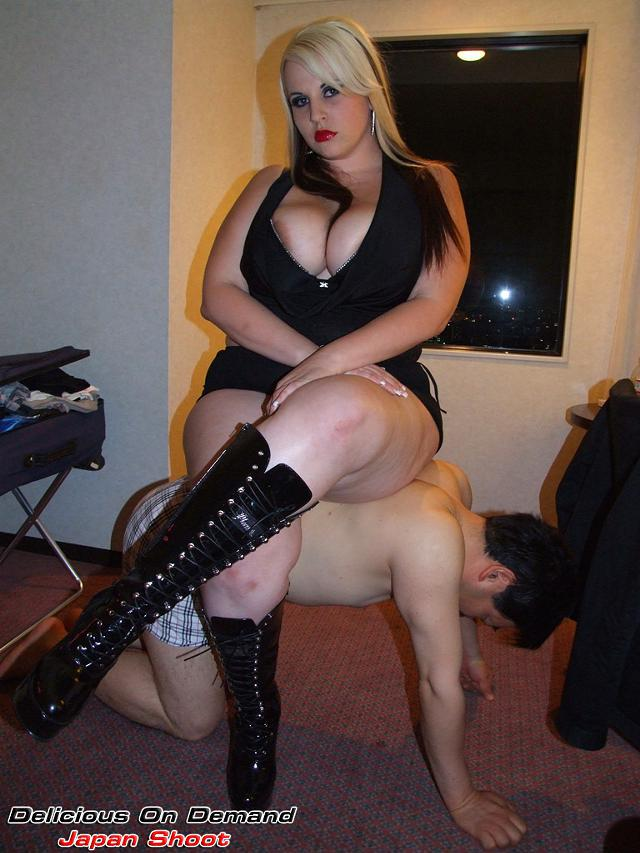Amateur girls with big tits ddd