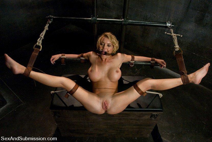 kate mulgrew naked