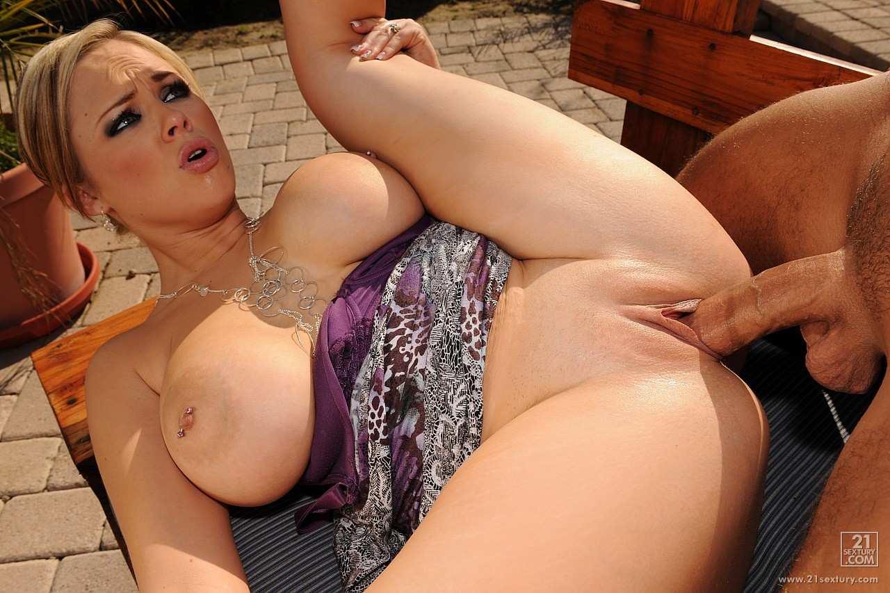 Naked plus size girls tits