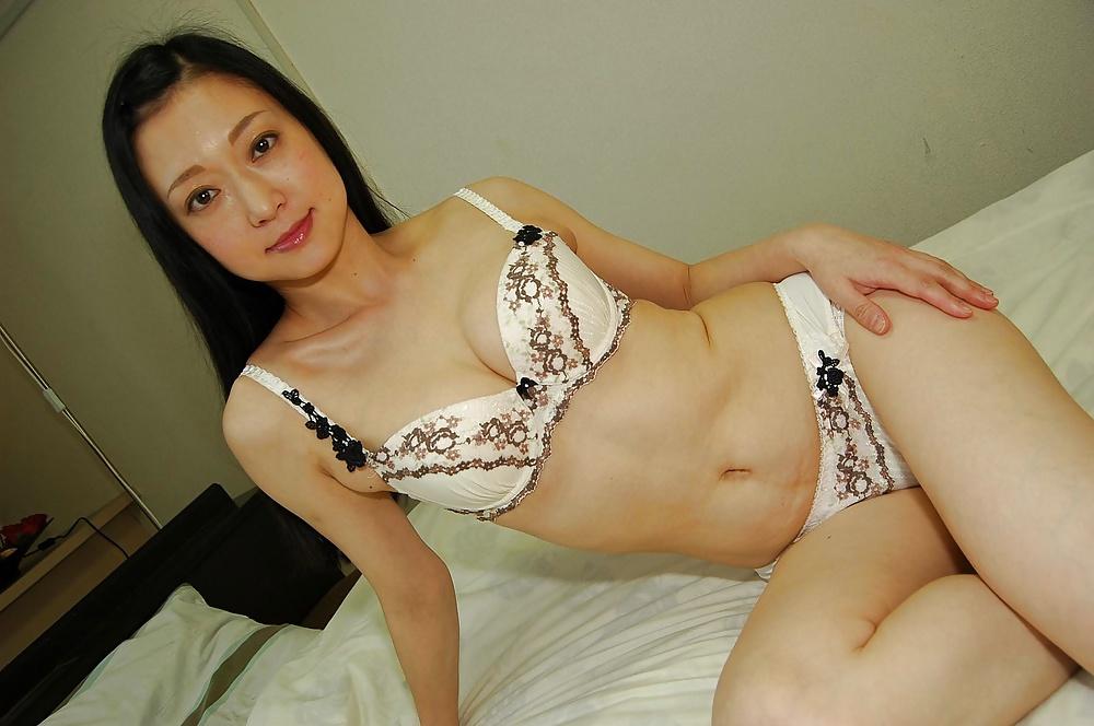 Amateur plump blonde girl nude
