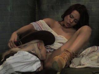 Anna Beatrice Barros Nude