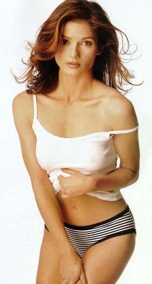 tamil actress sri divya sex nude stills