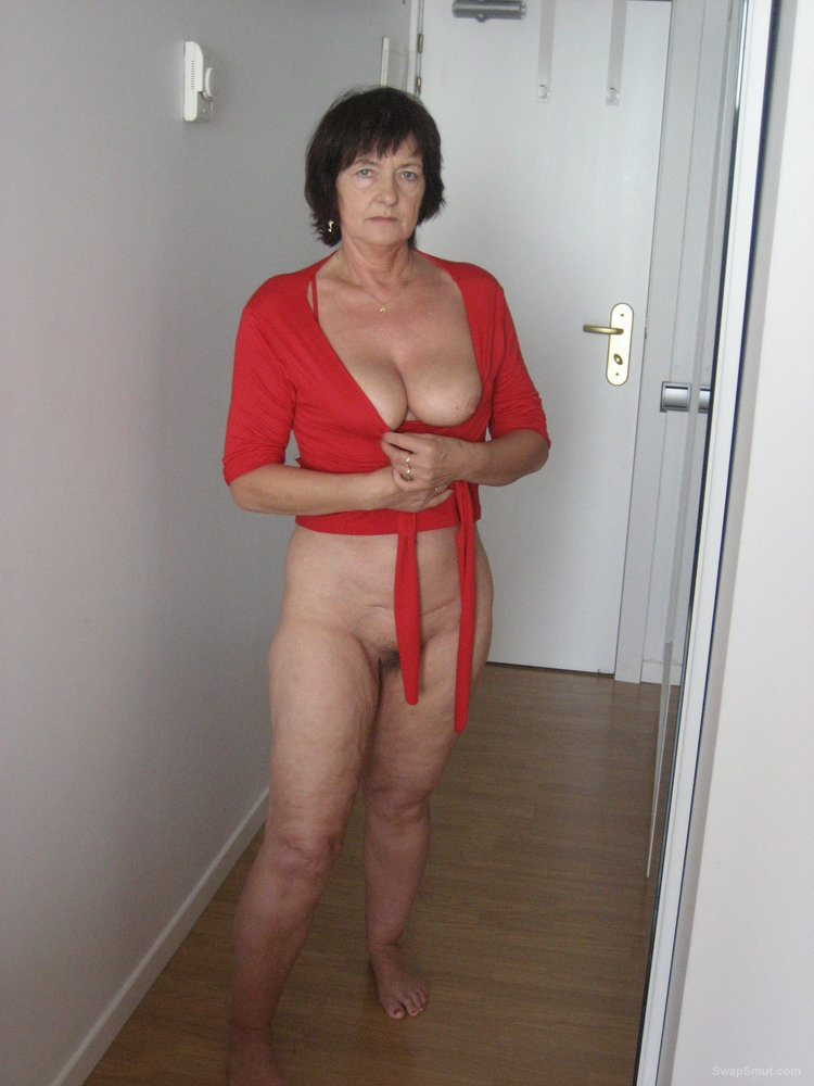 Sienna west nude mirror selfie