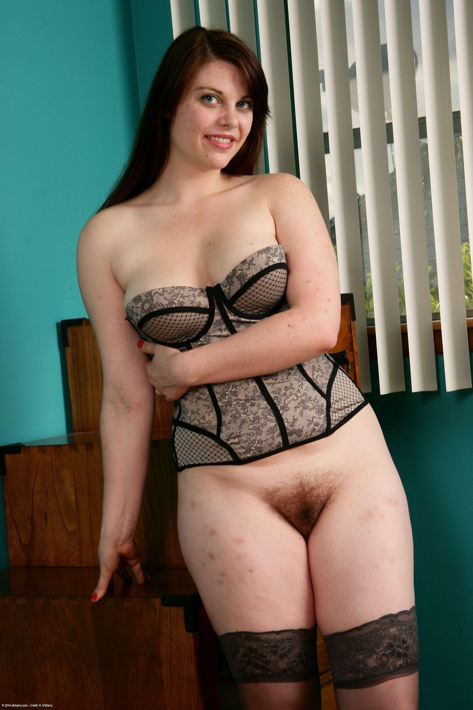 nude chubby mom thailand