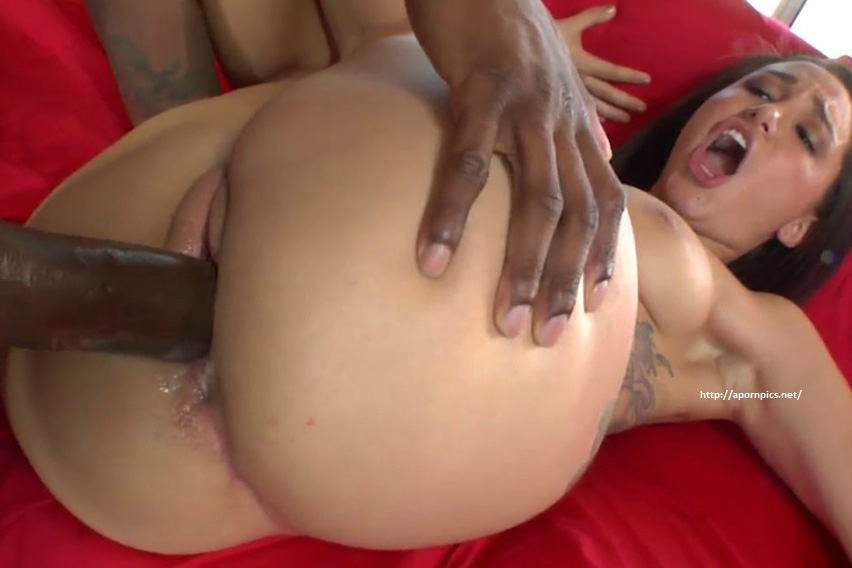 Mature smooth pussy
